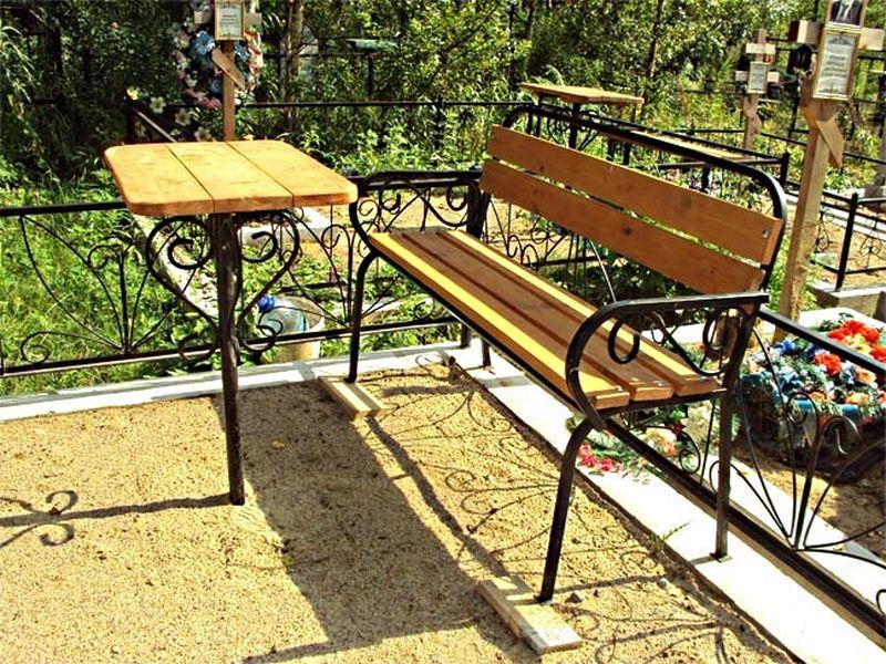 образцы скамеек и столов на кладбище - фото 8